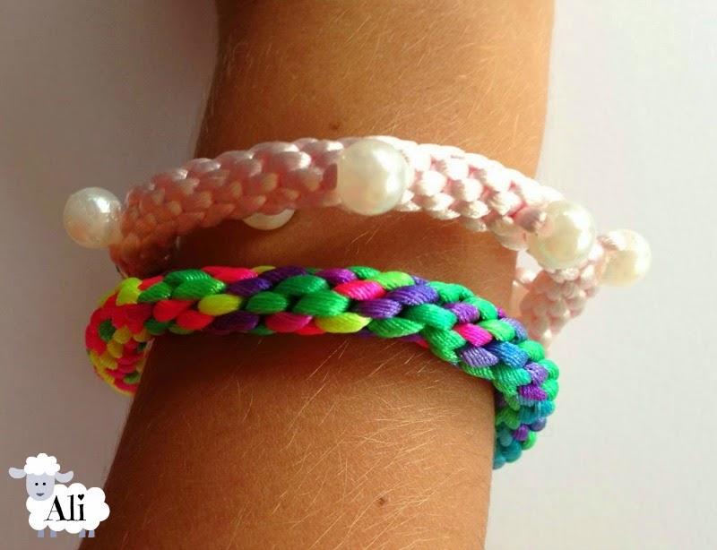 Pulseras kumihimo neon y perlas