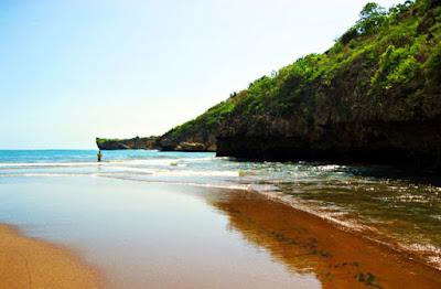 obyek wisata pantai baron gunung kidul yogyakarta