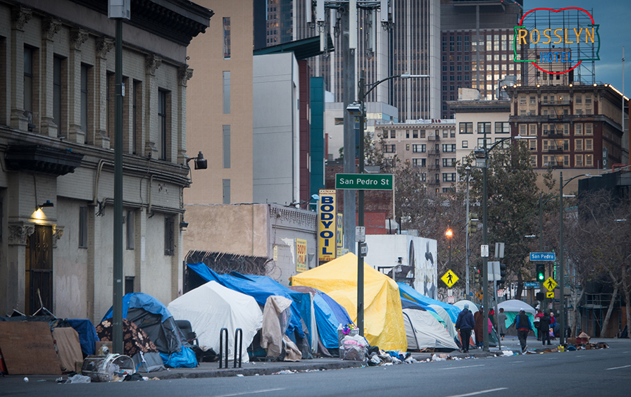 Behind hollywood s glamour shocking images of poverty and for Homeless shelters los angeles