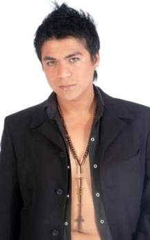 Foto del cantante Américo con nuevo look