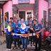 Guru dan karyawan SMK Prajnaparamita menggunakan Atribut Arema di Sekolah