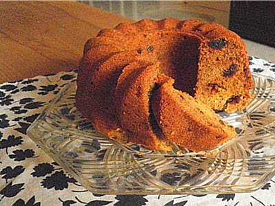 Dates Yogurt Cake Recipe @ treatntrick.blogspot.com