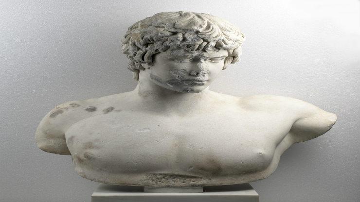 Αδριανός κι Αντίνοος: μια συνάντηση «19 αιώνες μετά» στο Αθέατο Μουσείο