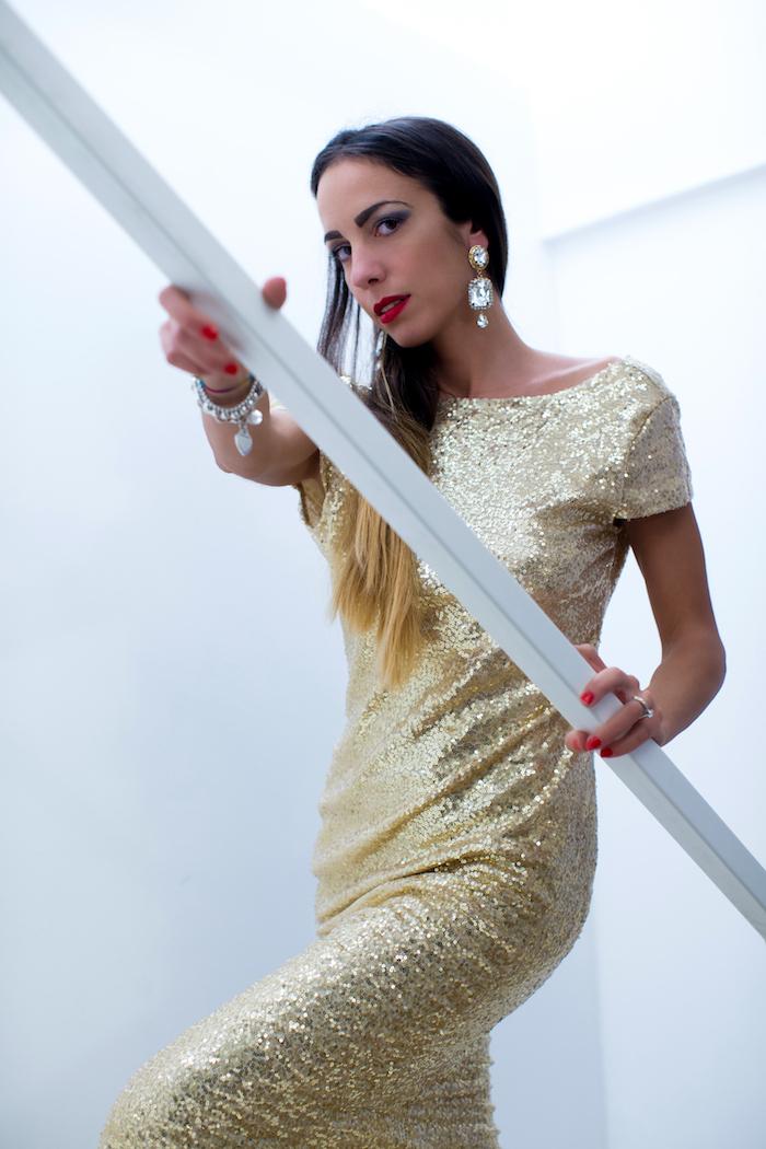 abito oro paillettes