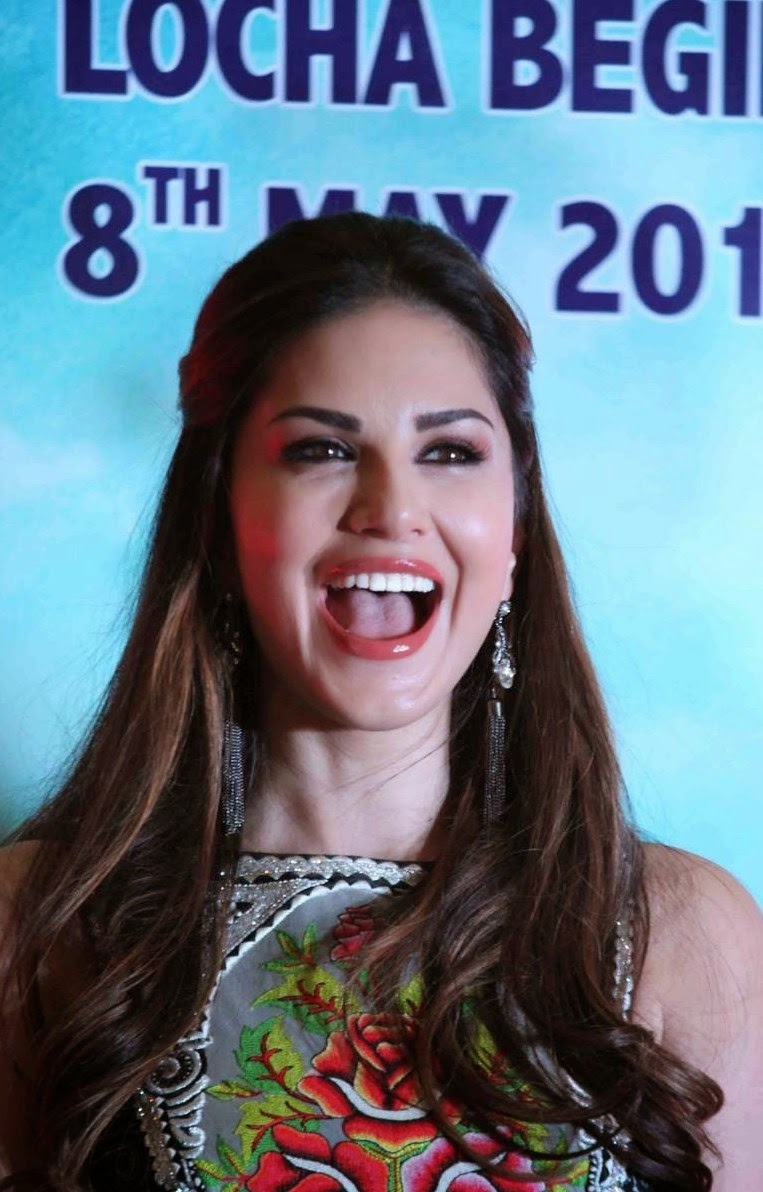 Sunny Leone Latest Smiling Photos Gallery - Bollywood Stars-9483
