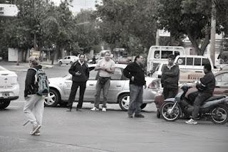 'Las estaciones han recibido una suba del 9% y lo han trasladado al usuario casi en un 95%. Al nuestro sector, esta situación lo afecta enormemente ya que debido a todos los ajustes, ya ha bajado considerablemente el uso del remis. Si agregamos que que el combustible aumentó el 50%, es prácticamente insostenible la situación', dijo Eduardo Chirino, secretario del Sindicato de Taxistas, a DIARIO DE CUYO.