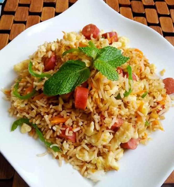 Egg and Hot dog fried rice recipe