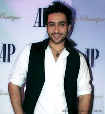 Adhyayan Suman Family Wife Son Daughter Father Mother Marriage Photos Biography Profile