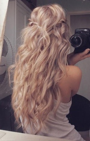 Would love to have my hair casually wavy like this!! Not blonde tho, keeping my reddish brunette hair color.