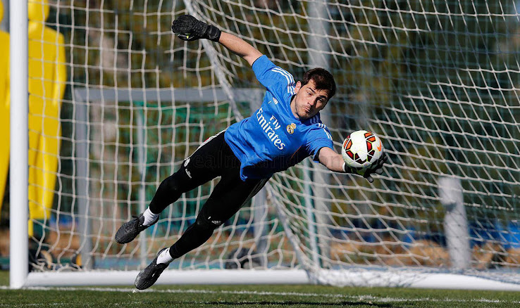 Iker Casillas Trains in Totally New Adidas 2015 Prototype Boots ... 39fce0995d47