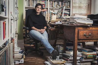 A escritora e jornalista Mimi Swartz - Divulgação