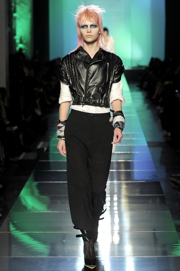 Altius Online Androgyny Girl Meets Boy