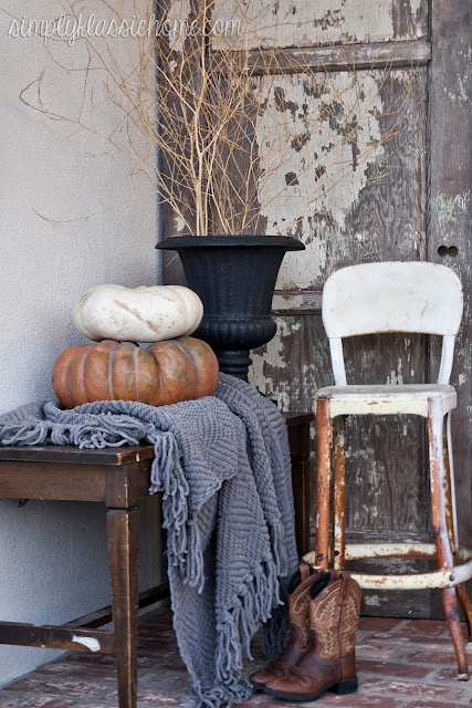 Fall Front Porch Decorating Dilemma