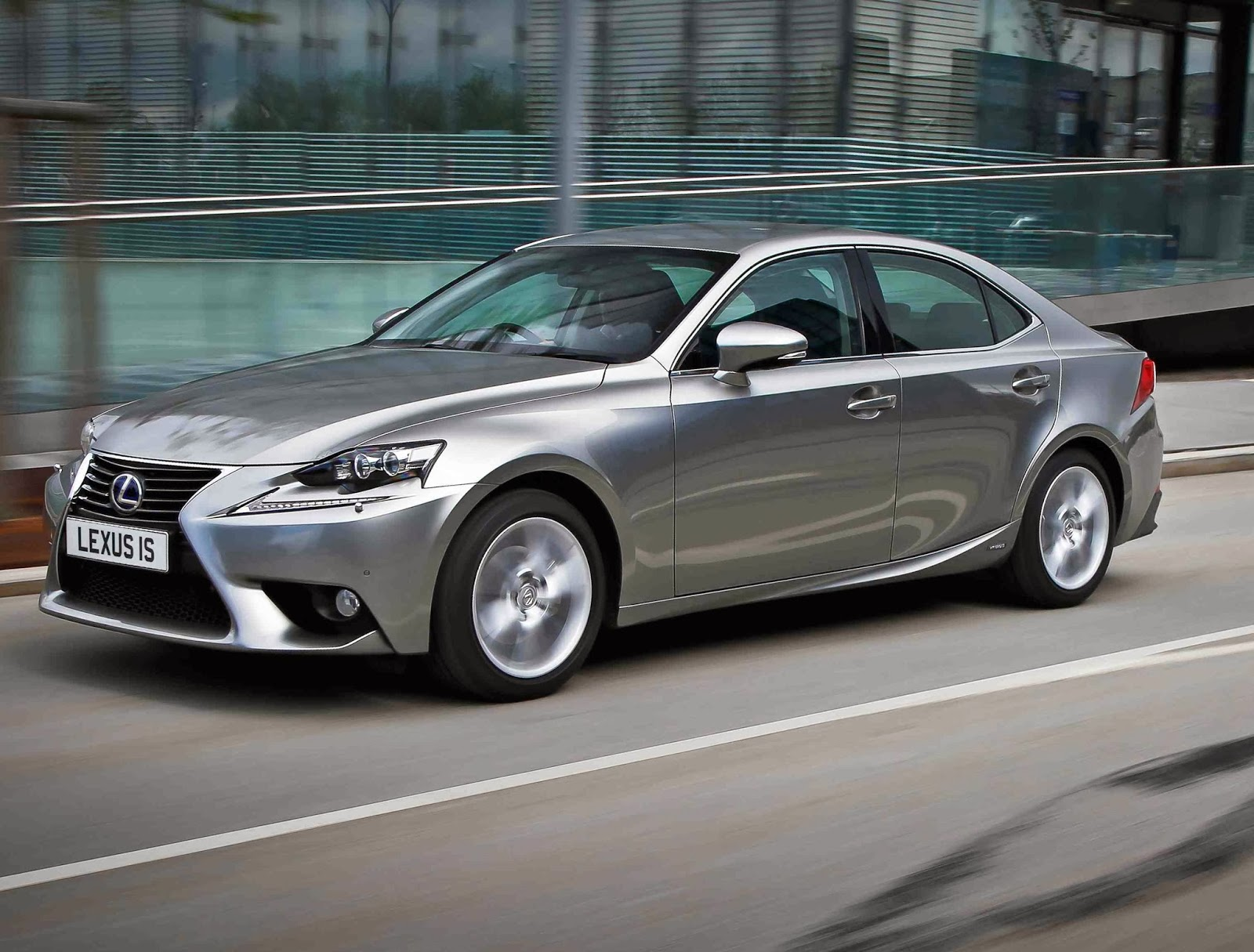 irish car travel magazine road test lexus is 300h. Black Bedroom Furniture Sets. Home Design Ideas