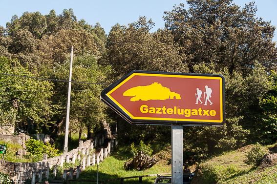 Señal a Gastelugatxe. Una ermita en el mar, San Juan de Gastelugatxe