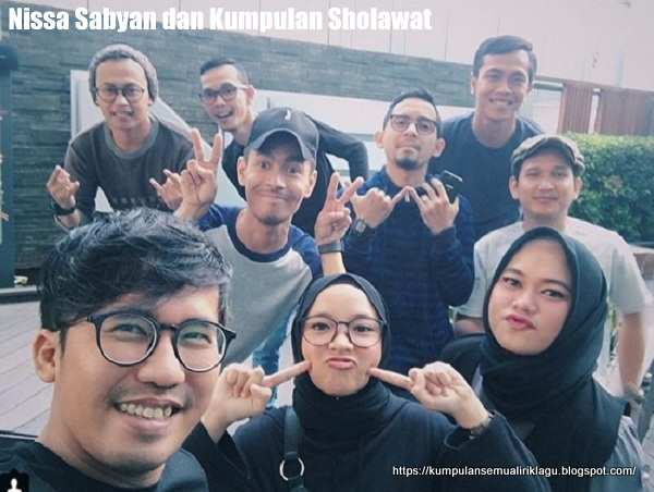 Attahiyat Versi Nissa Sabyan dan Kumpulan Sholawat