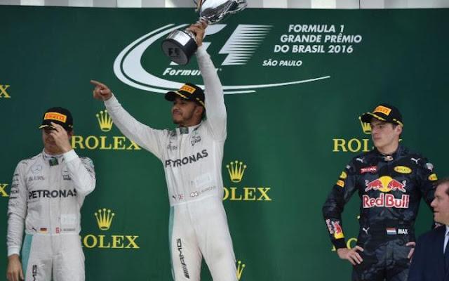 Com pista encharcada, acidentes e paralisações, corrida em São Paulo teve show de Verstappen, emoção de Massa e vitória de Hamilton
