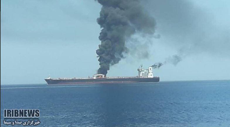 Επίθεση και εκρήξεις σε δεξαμενόπλοια στον Κόλπο του Ομάν