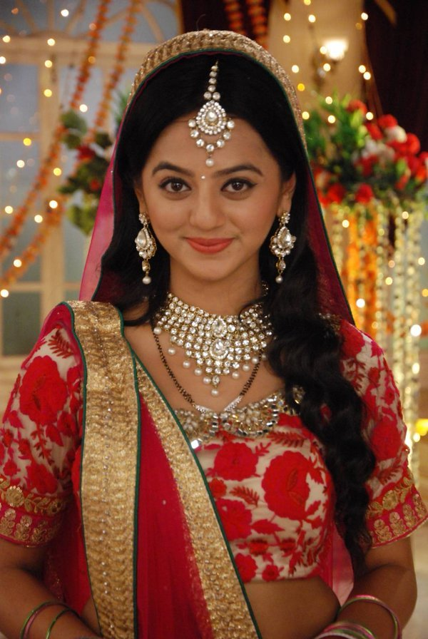 Latest Helly Shah Hd Wallpapers Images And Picttures