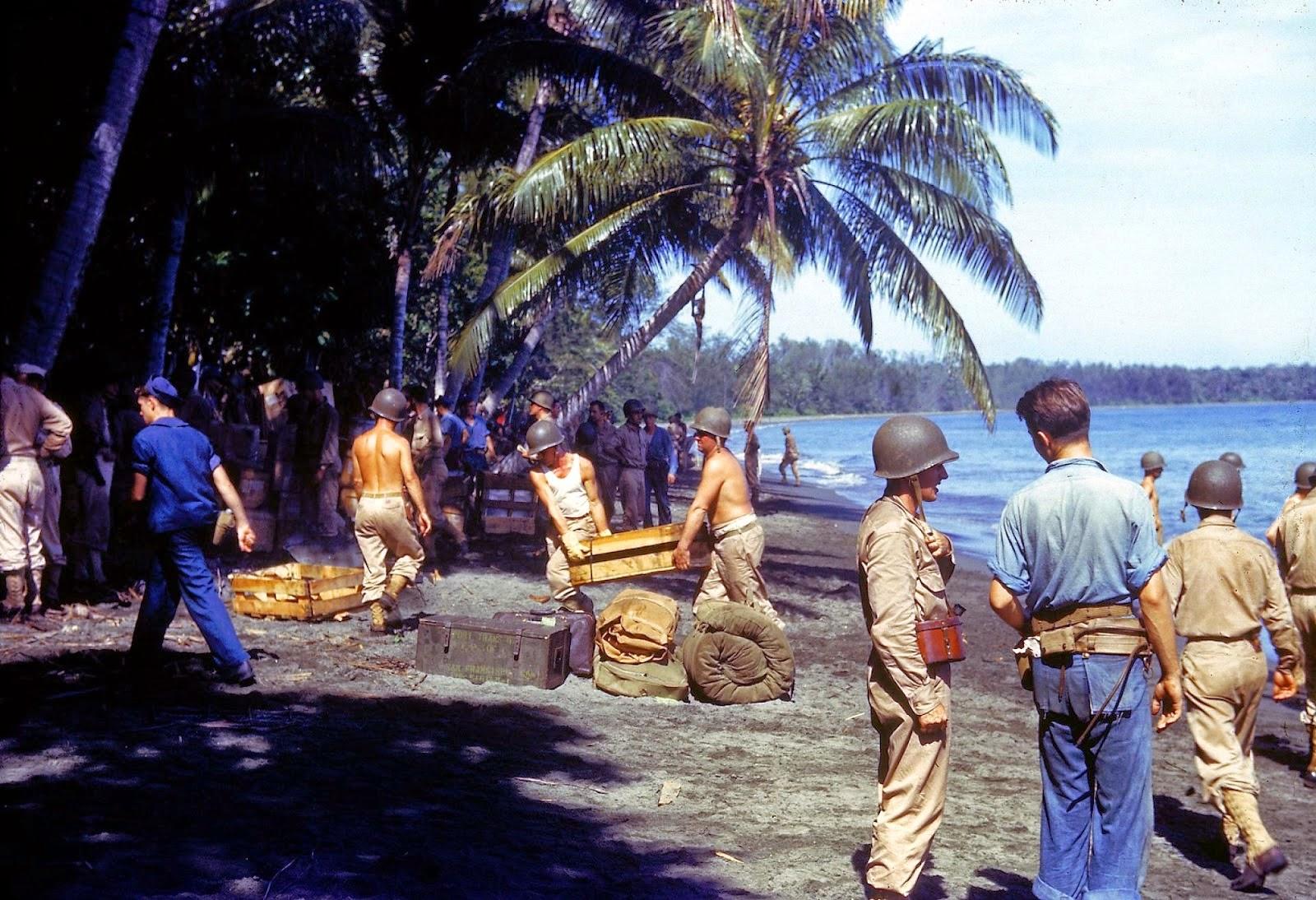 http://2.bp.blogspot.com/-k0DZQV3tpkA/VLaZtkSV42I/AAAAAAABOJo/ibpXNkuJfpU/s1600/Rare+Color+Photographs+from+World+War+II+(11).jpg