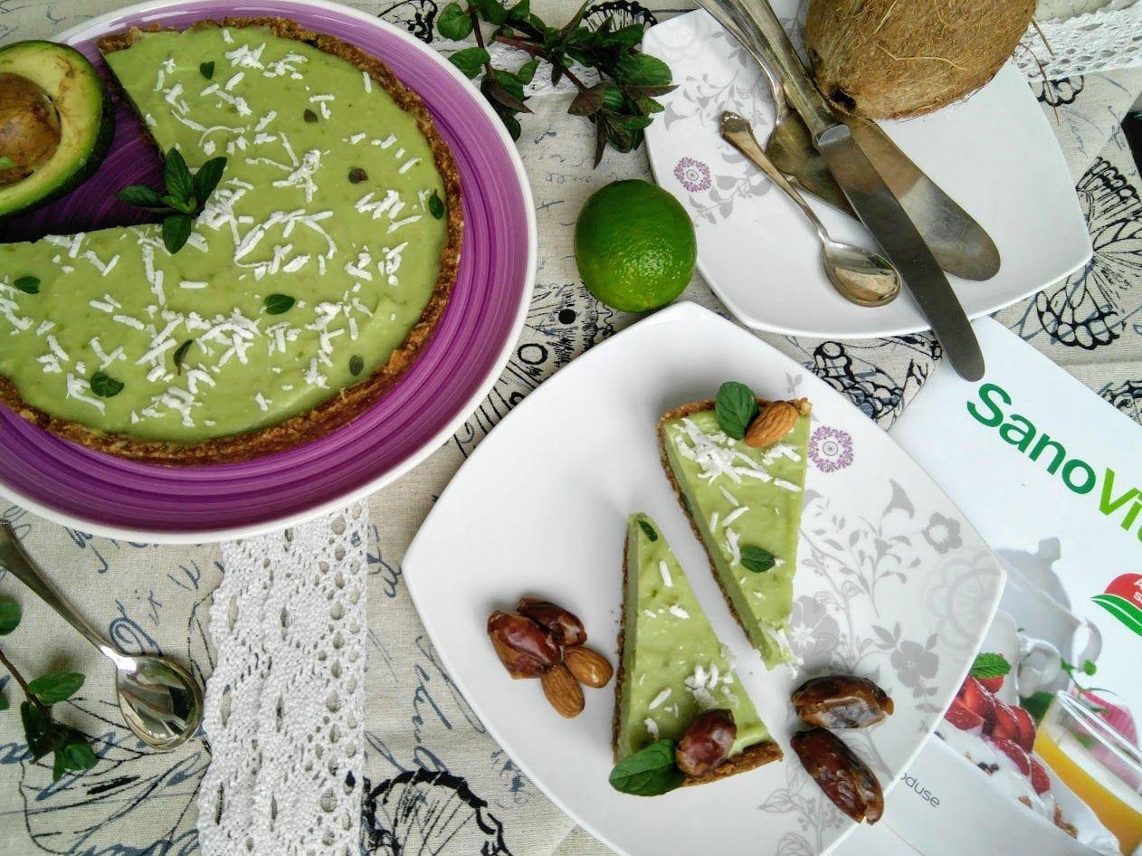 Tarta RAW cu crusta de curmale și umplutură de avocado și lime