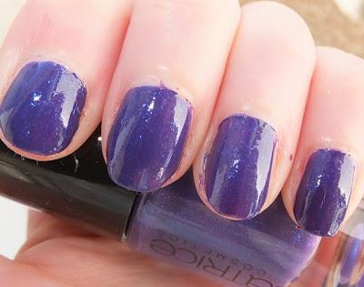 Catrice Purple Reign swatch