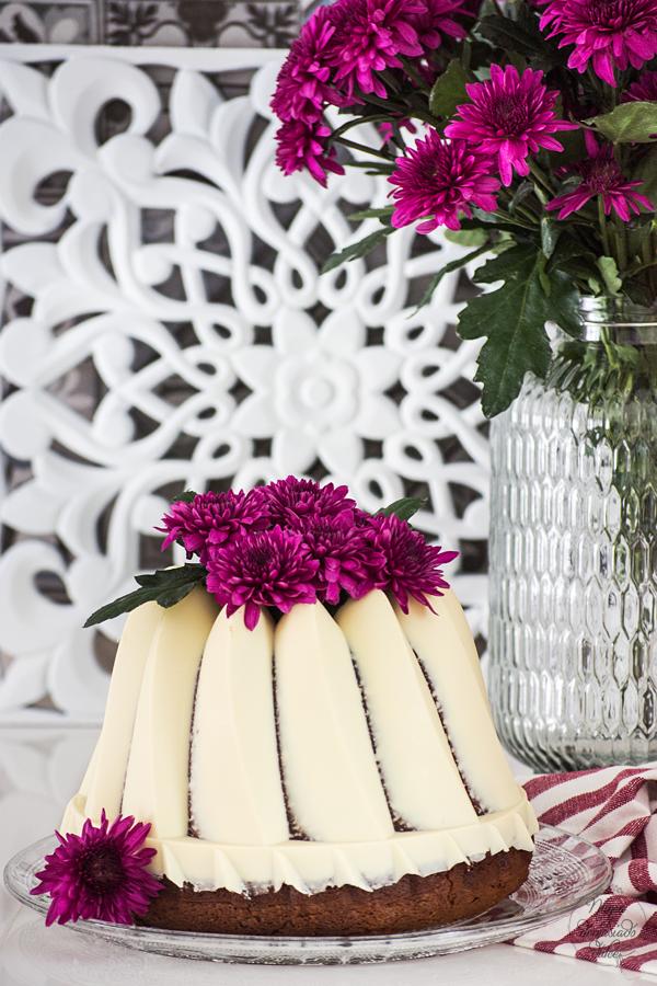 bizcocho-chocolate-blanco-almendra-curd-fresas