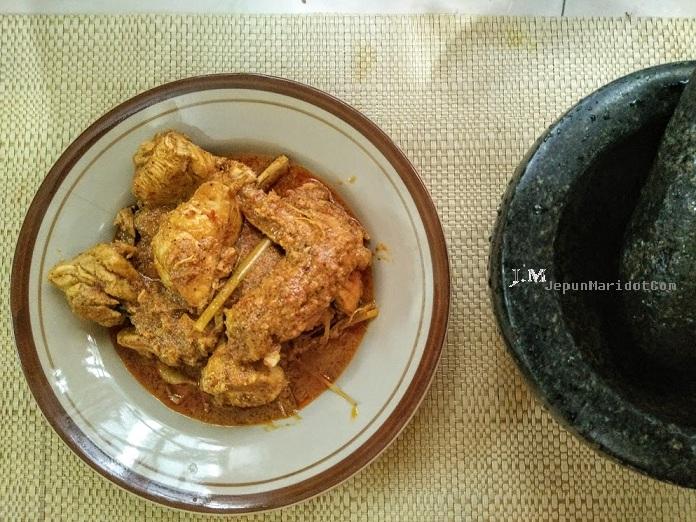 Rendang ayam yang sangat sedap dan tahan lama