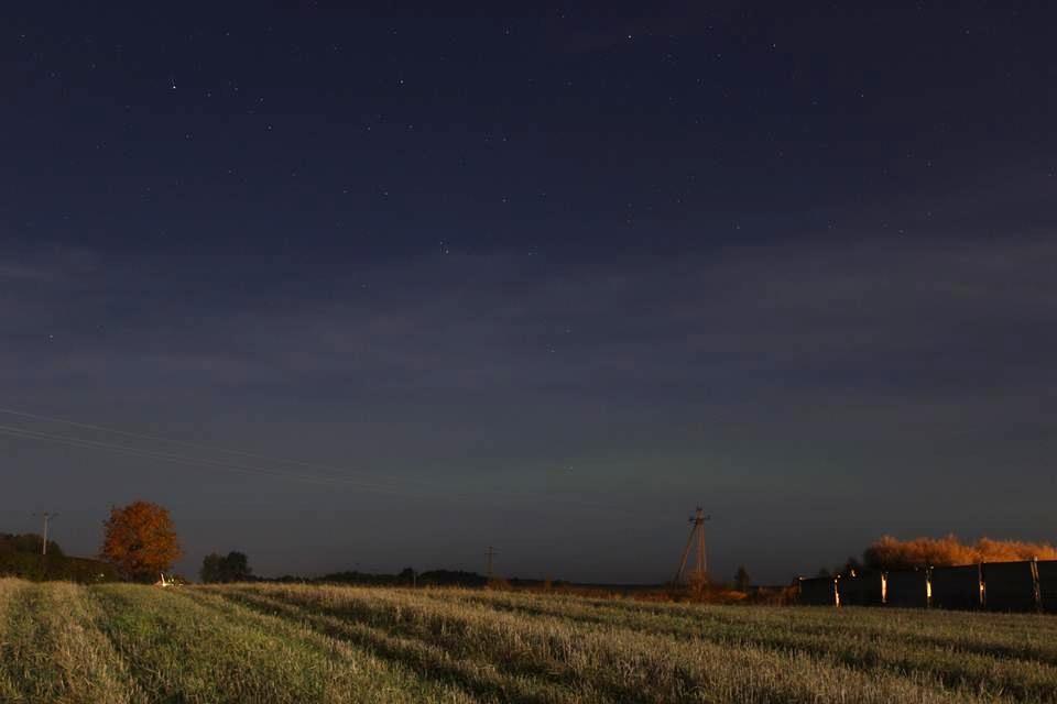 Subtelna zorza polarna sfotografowana 13.10.2016. Ełk, warmińsko-mazurskie. Autor: Tomasz Omilian