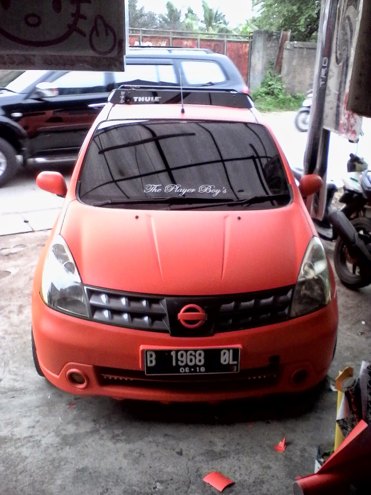 PeLapaK: Full Cutting Stiker Body Mobil Jazz Mazda