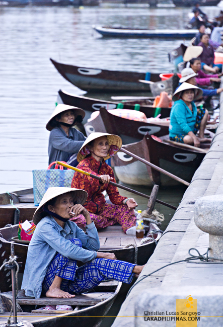 Hoi An Ancient Town Vietnam Canoes