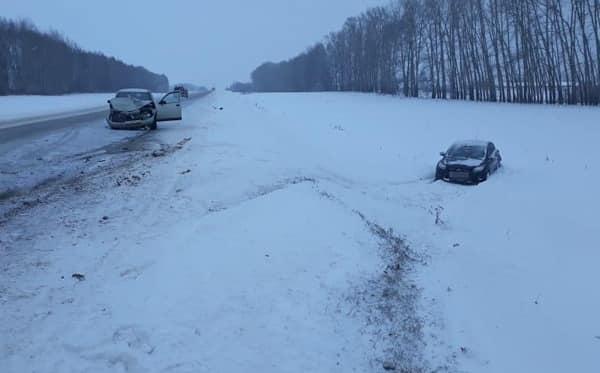 В Башкирии «десятка» столкнулась с фордом, один человек погиб, четверо пострадали