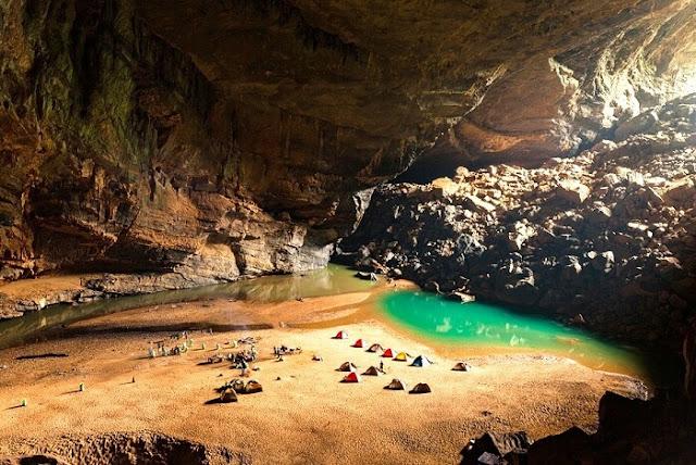 La gigantesca cueva de Son Doong en Vietnam