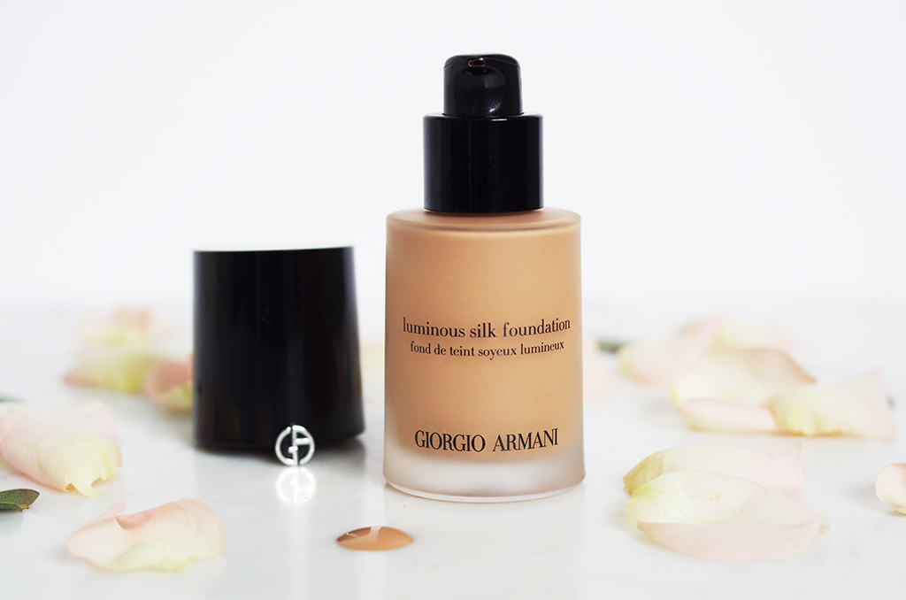 Elizabeth l Beauty review Giorgio Armani Luminous silk foundation l fond de teint maquillage makeup l THEDEETSONE l http://thedeetsone.blogspot.fr