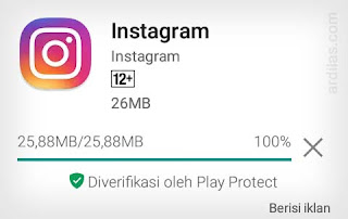 Proses download dan install Instagram - Cara Menginstall Aplikasi Software Instagram App For Android