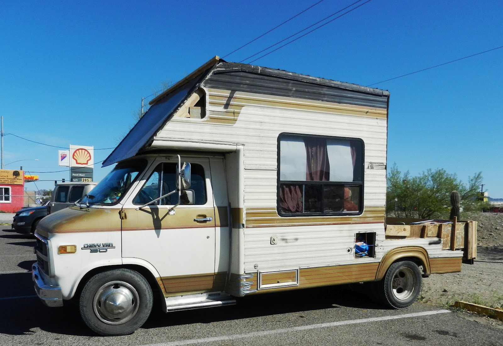 Rv With Porch