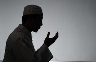 3 Doa Meluluhkan Hati Seseorang yang Keras Kepala dan Sedang Marah