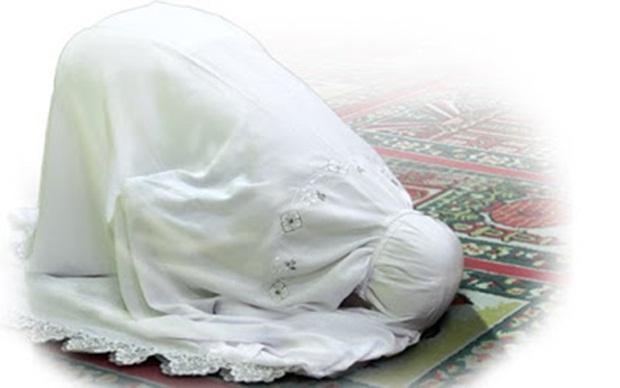 Cara Bersujud Muslimah