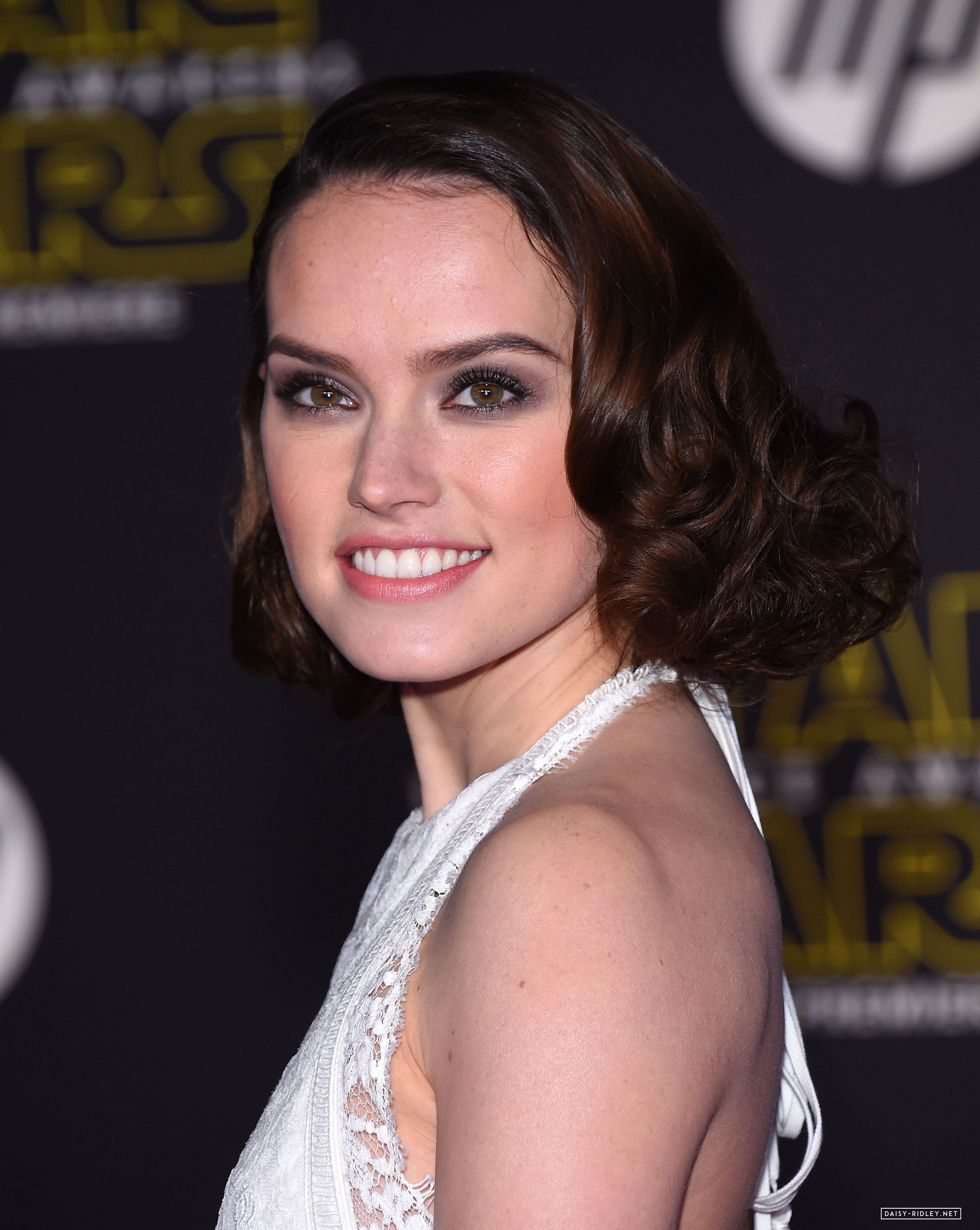 daisy ridley pictures gallery  27  film actresses isobel goudi youtube isobelle molloy