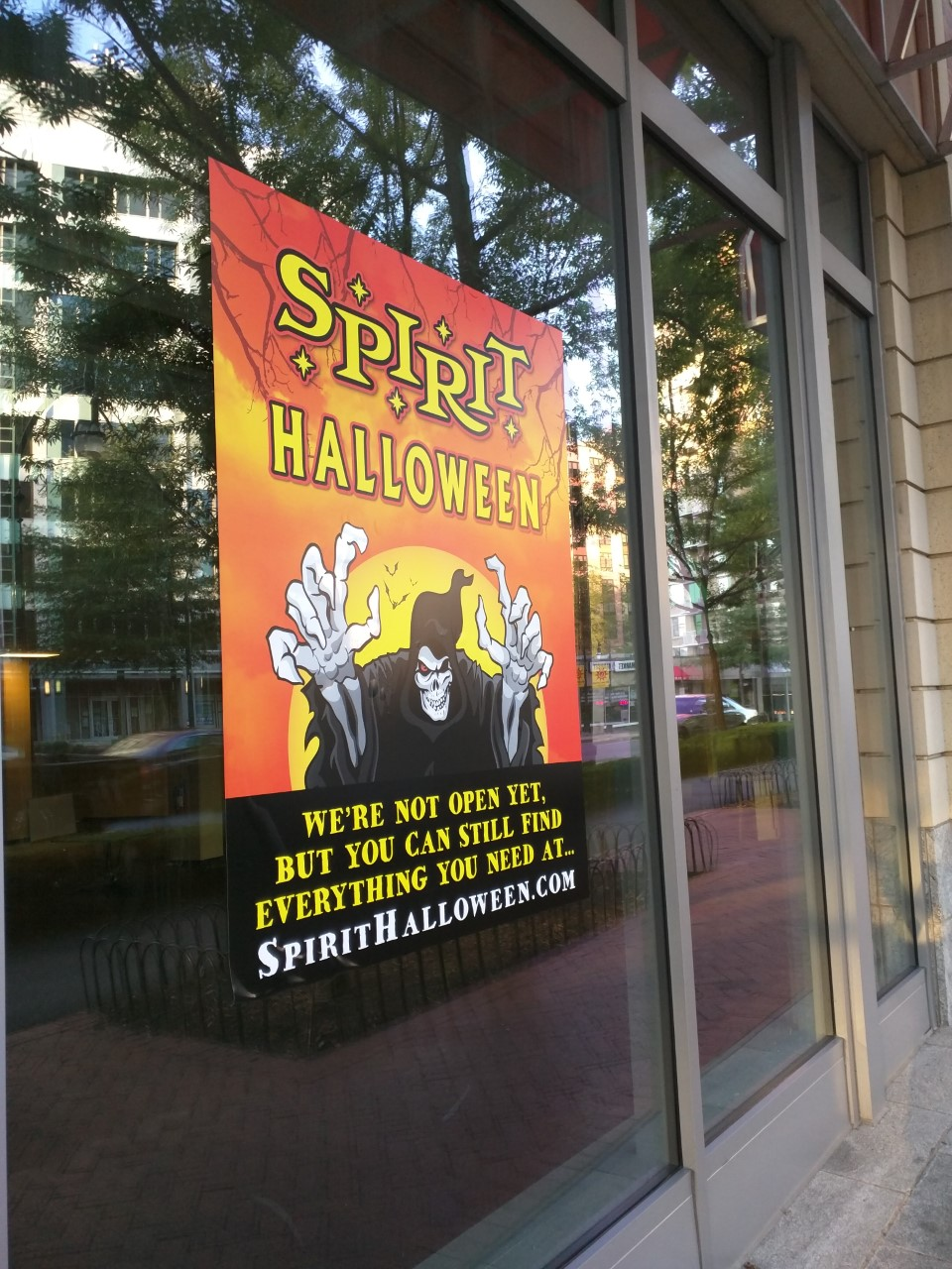 spirit halloween to return to downtown silver spring this fall - Spirit Halloween 2016