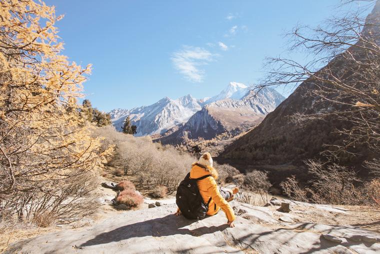 Saat trekking di atas 4500 mdpl, Yading National Park, China