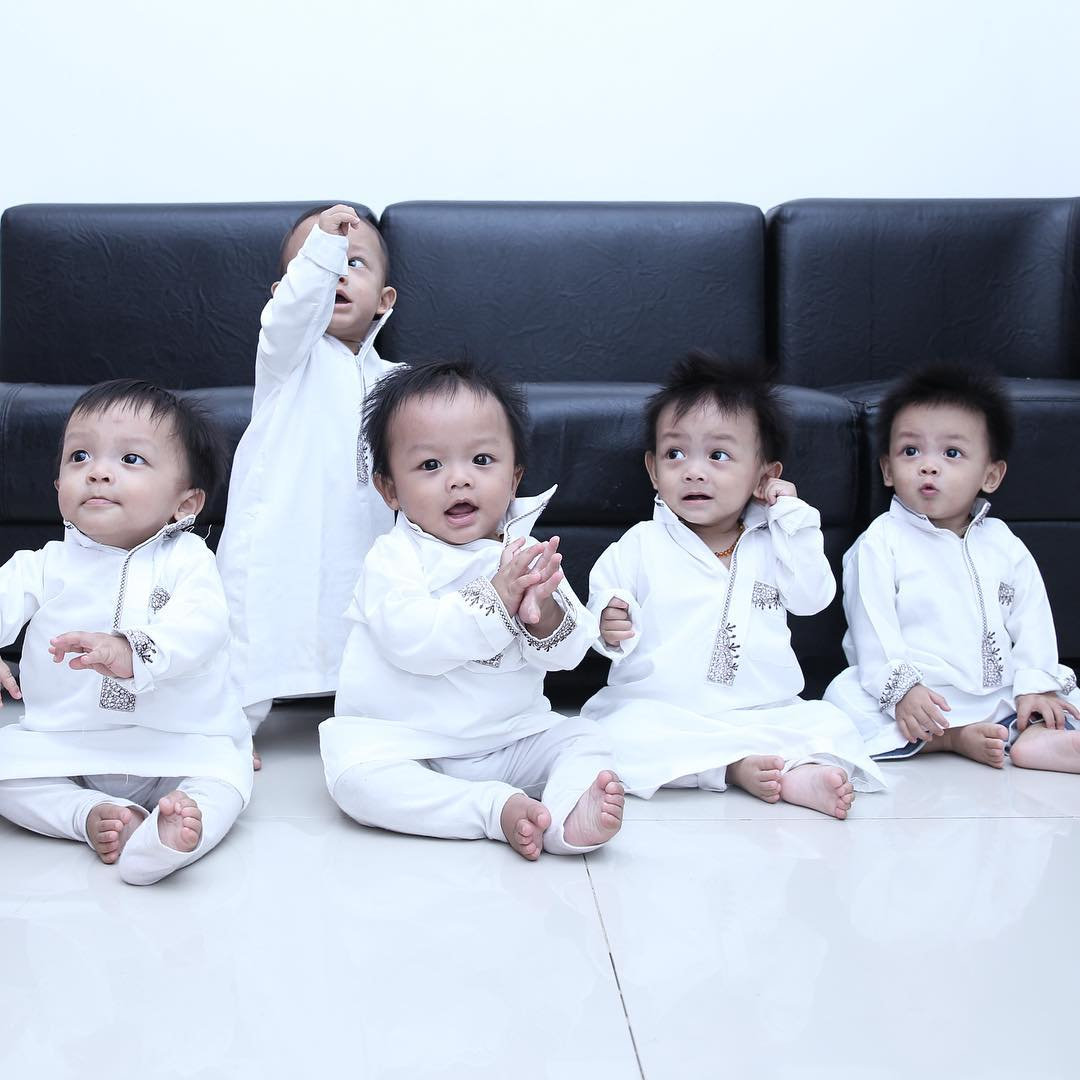 Subhanallah Ini AIUEO Bayi Kembar 5 Yang Kini Makin Lucu