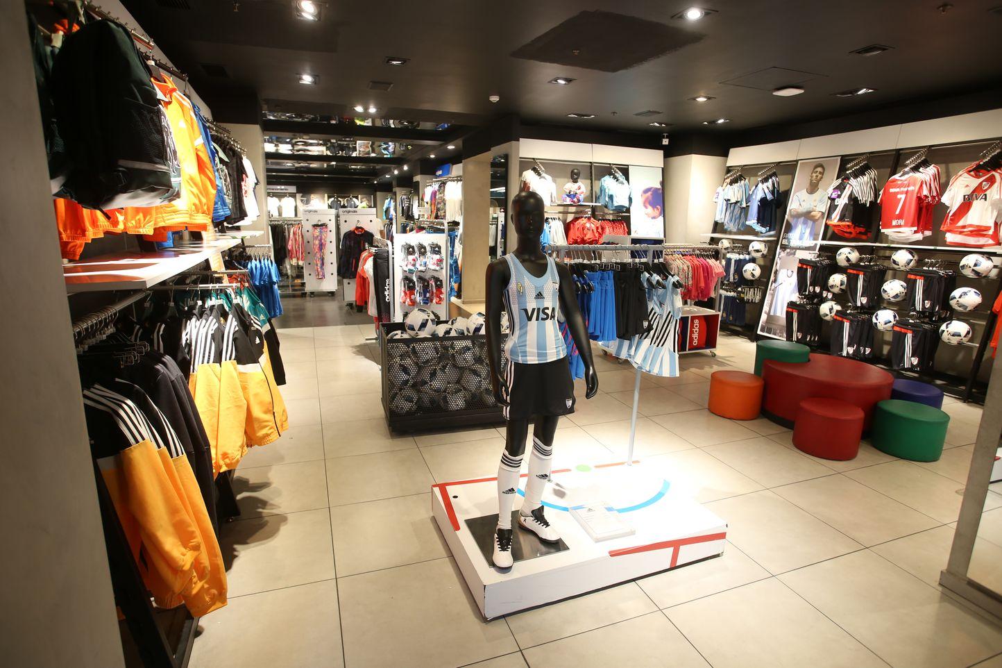Outlet Adidas em Mendoza bd12cf757e8