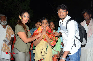 Actress Sri reddy (apthatrust director) Distrubuted Blankets for Orphans at Sai Baba Temple  0046.JPG