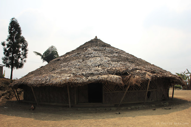 angh-house-at-longwa-village-mon-nagaland-photos