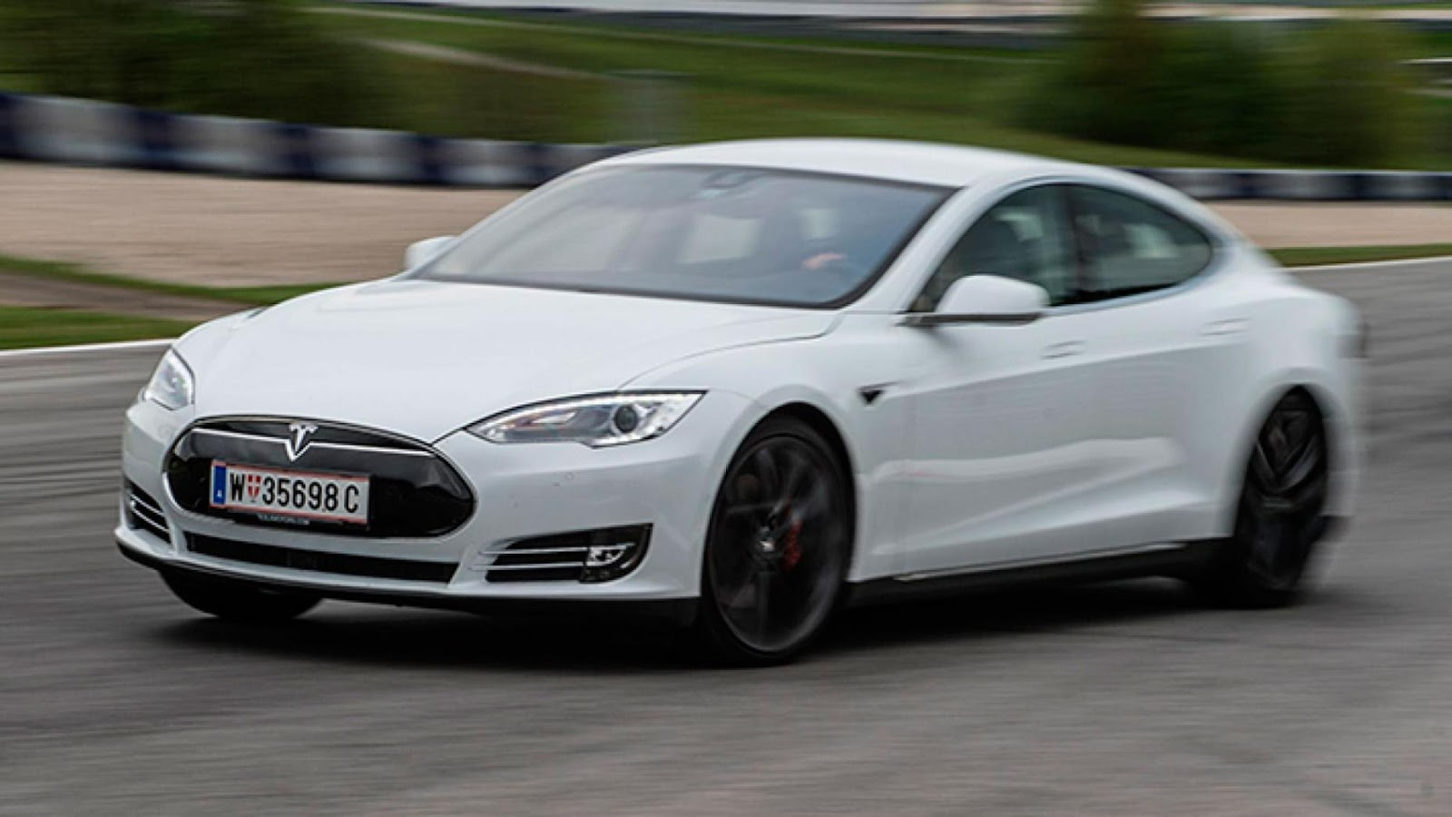 Tesla Model S Performance P90D: £ 97.335