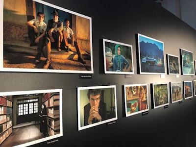 Exposição de imagens da nova minissérie, 'Se eu fechar meus olhos agora', feita por fotógrafos da TV Globo — Foto: Romulo Holub/ Gshow
