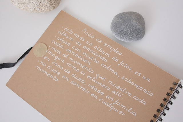 http://mediasytintas.blogspot.com/2015/09/un-album-de-sensaciones.html