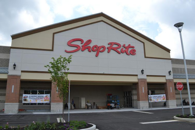 Shoprite in Whitman Plaza
