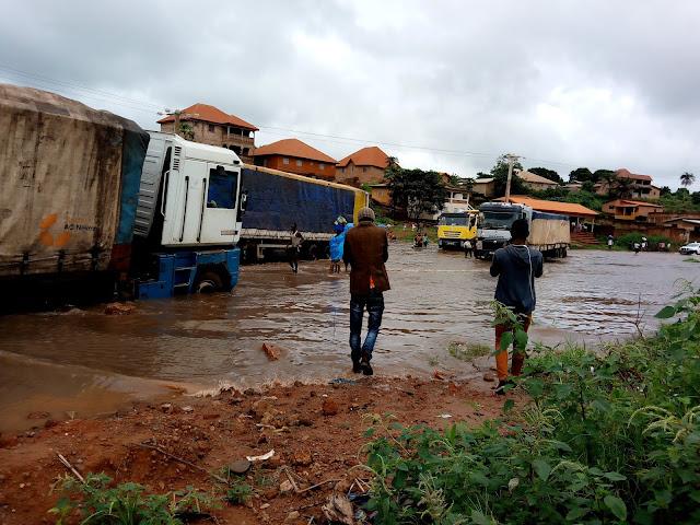 Guinée : Kindia, la déviation de Linsan coupée, un véritable calcaire pour les usagers de la route nationale numéro un